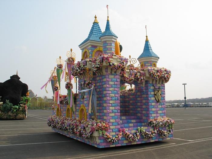 游乐园彩车